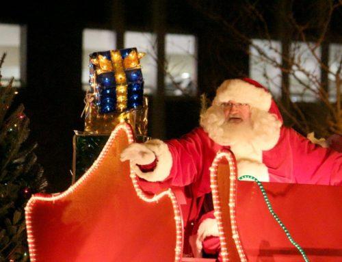 Holiday Parade, the Sounds of Sinatra,  Santa Pet pics & More…
